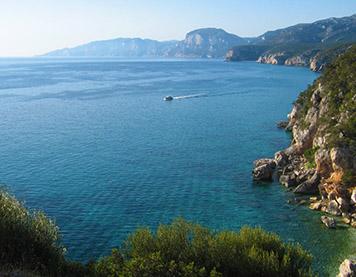 Eine Bucht in Sardinien
