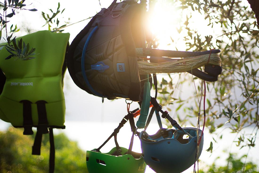 Kitesurf Trapeze und Bars in der Sonne
